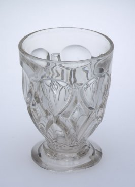Goblet Magnet and Grape with Frosted Leaf pattern