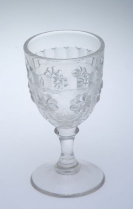 Wine glass Roman Rosette