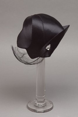 Woman's cocktail hat