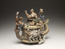 Three Horse Race, Teapot