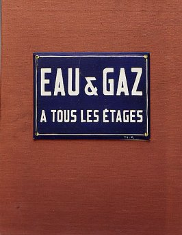 "Front of case, ""Eau & gaz a tous les étages,"" readymade, Eau & gaz a tous les étages (Imitated Readymade) and book Sur Marcel Duchamp (France: Éditions Trianon, 1958) also (London: Éditions Trianon, 1958) and (New York; Grove Press, 1958)"