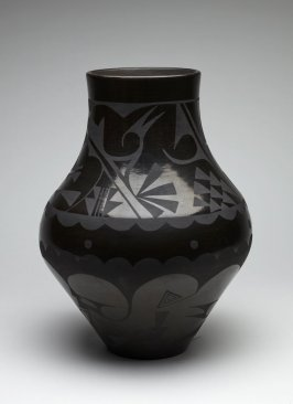 Black-on-black jar