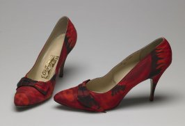 High heel pumps (to match dress, a)
