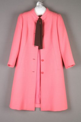 Short coat pink with black tie