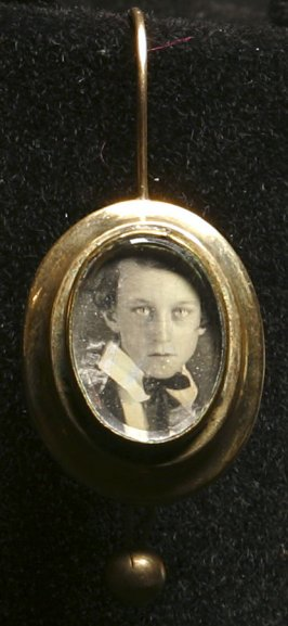 Earring (Portrait of a boy)
