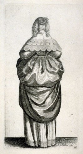 Lady with fair hair seen from behind