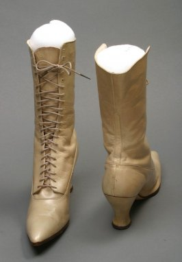 Pair of Woman's Laced Boots