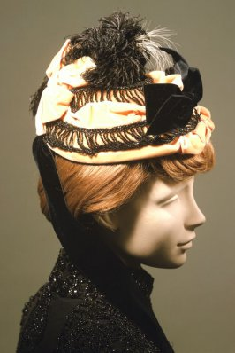Woman's bonnet