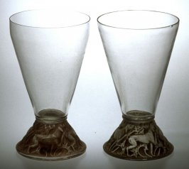 Pair of wine glasses