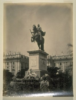 #328 - Estatua de Felipe IV en la plaza de Oriente (Statue of Philip IV in the Eastern Plaza, Madrid)