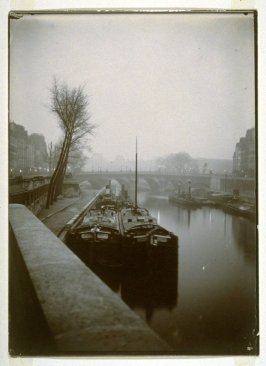 Paris, quai de la Seine, péniches (Paris, Quay on the Seine, Barges)