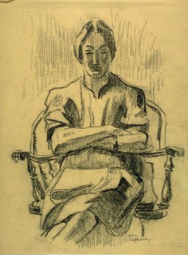 Study : seated woman with folded arms