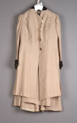 Walking or driving suit: coat and skirt