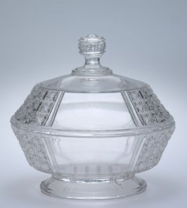 Footed dish with lid