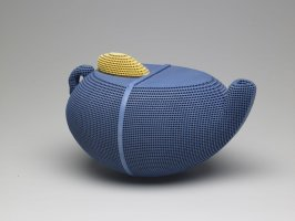 Blue Tea, Teapot