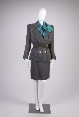 Woman's suit (jacket, belt, skirt, belt, shirt, scarf, cufflinks)