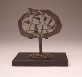 Untitled sculpture (footed oval with triangular shapes)