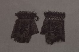 Pair of mitts black