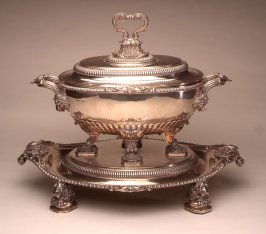 Soup tureen with cover and tray