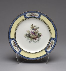 Plate (assiette unie) with blue and yellow border