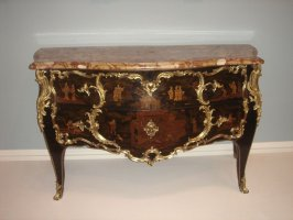 Chinoiserie commode