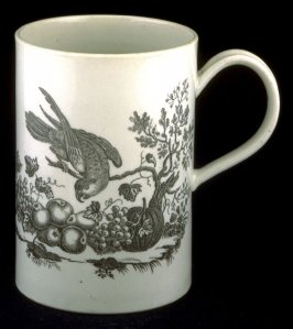 Tankard with parrot in tree