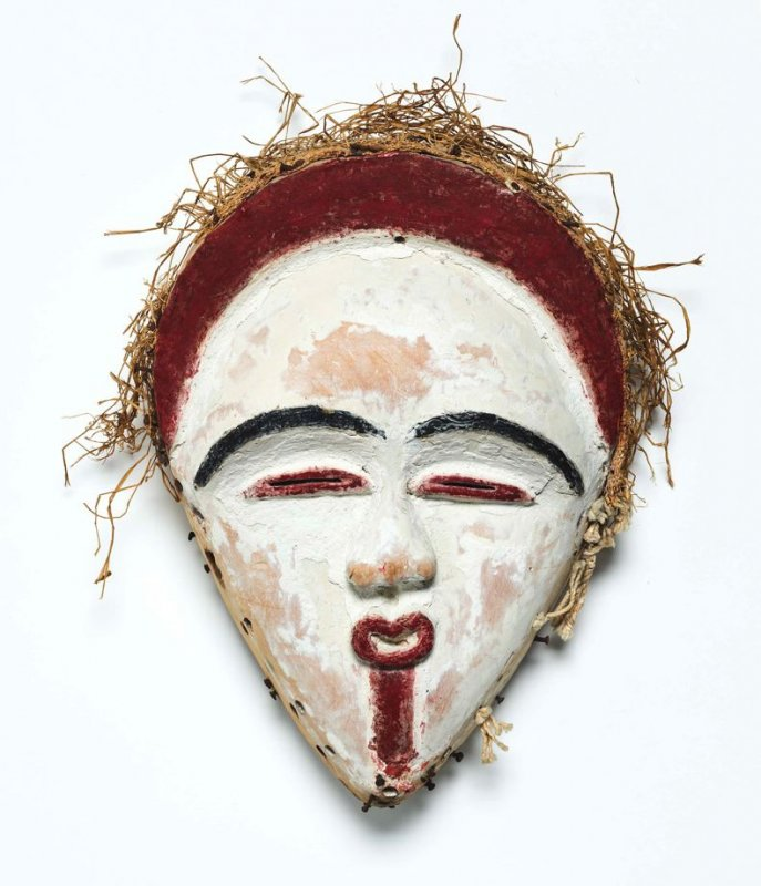 Shira-Punu Face Mask with black coiffure