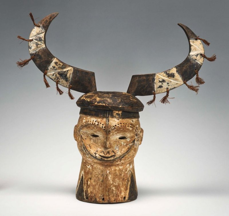 Fang Helmet Mask with horns