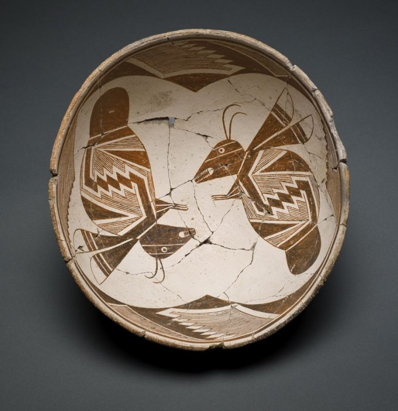 Bowl (Opposing Insects)