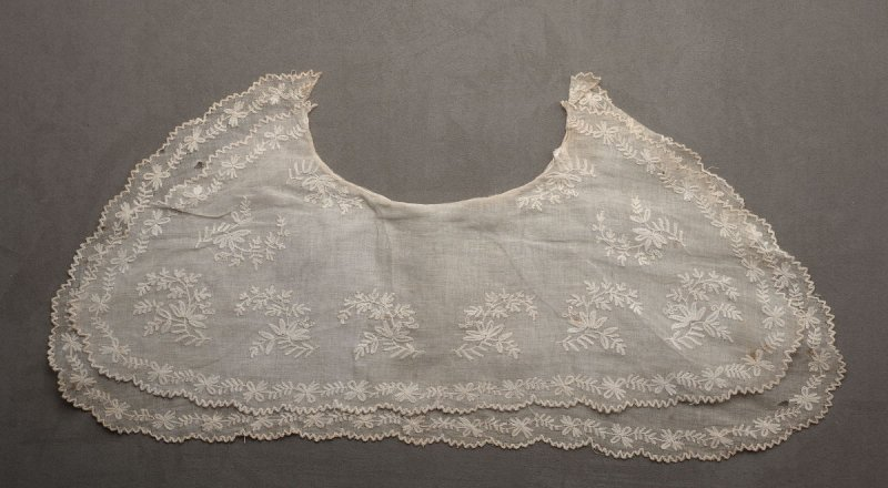 Woman's collar double, embroidered