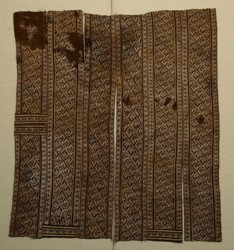 Poncho or tunic in two parts