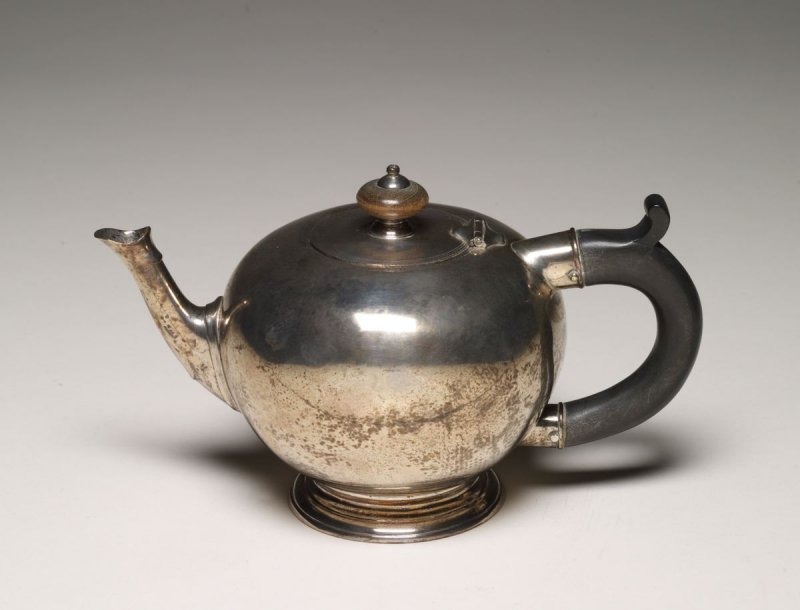 Teapot in the form of an Apple