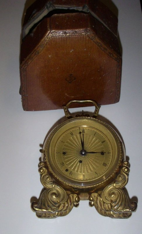 Travelers clock with case