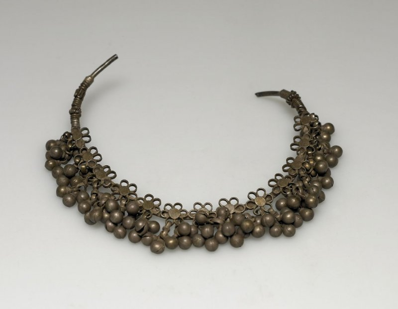 Nose ring with ball bangles