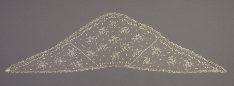 Lace collar or fichu