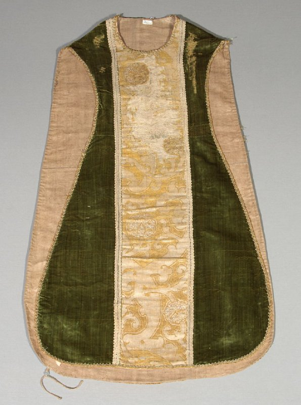 Chasuble green with gold and beige center band
