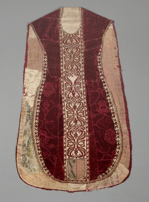 Chasuble red
