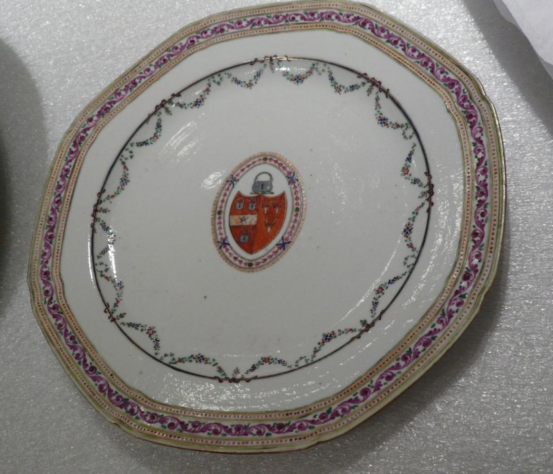 Dinner plate, Arms of Grierson
