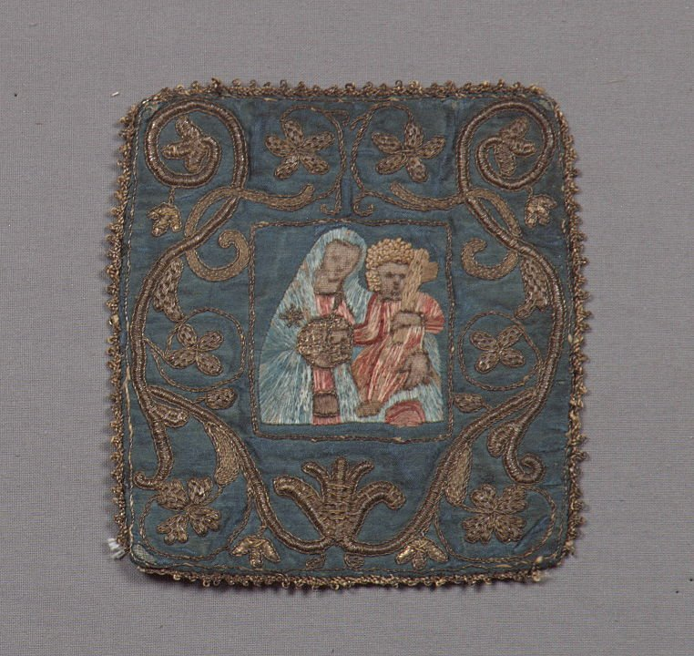 Chalice cover central couple with blue and gold border