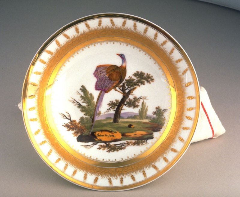 Large round serving plate