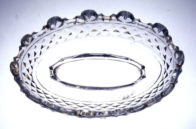 Dish with diamond pattern