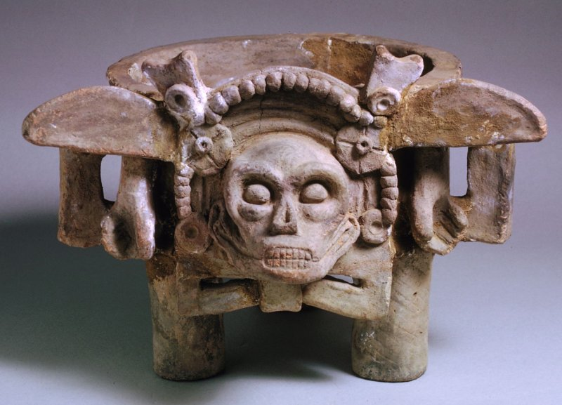 Brazier or burial urn