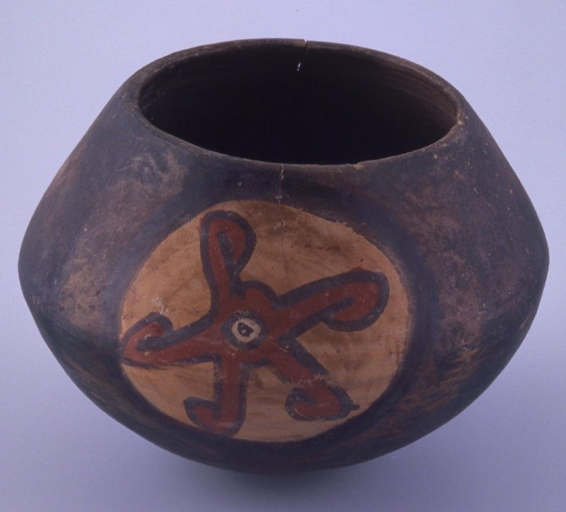 Bowl with design of two starfish