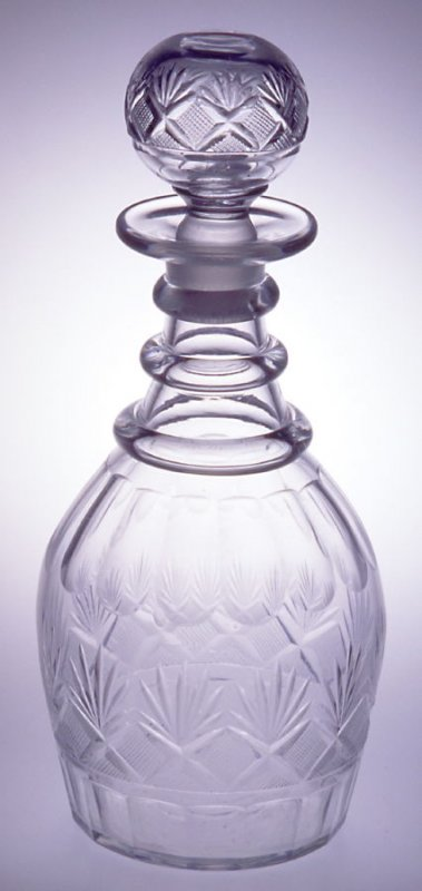 """Decanter and stopper """"Strawberry, Diamond and Fan"""" pattern"""
