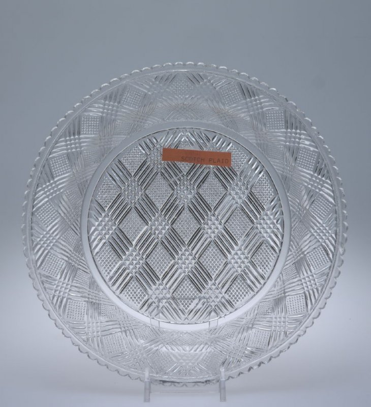 Plate with Scotch Plaid pattern