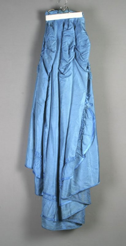 Afternoon/evening dress (with matching parasol, d)