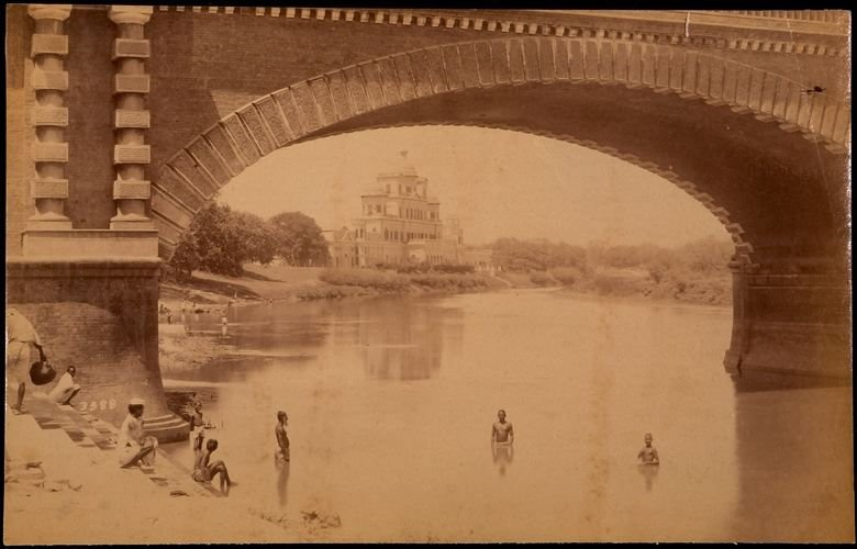 Chatter Mangil from below the Bridge, Lucknow