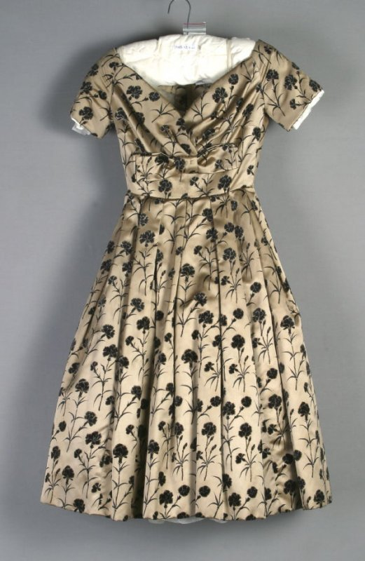Cocktail dress (with petticoat)