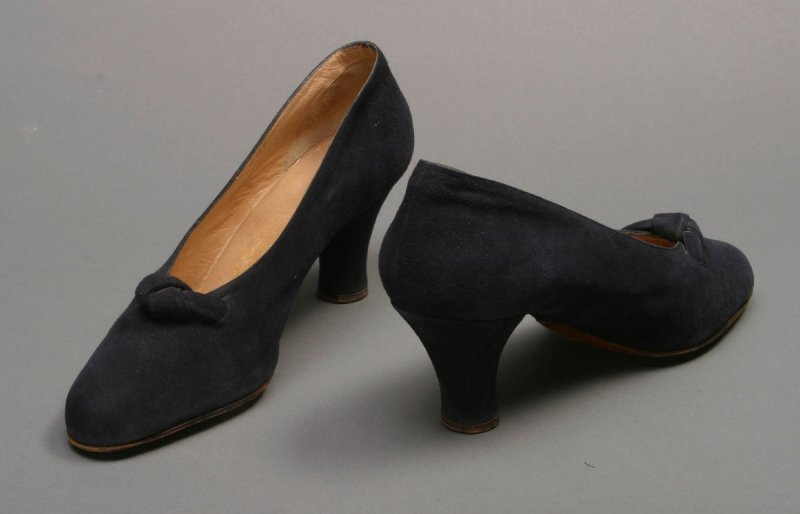 Pair of evening pumps