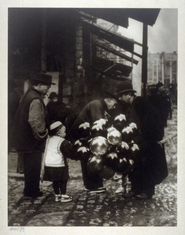 The Balloon Peddler from the Chinatown Series